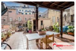 Cagliari – Via Pasubio – Trivano con Terrazza e Cortile