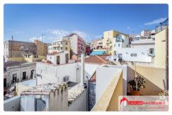 Trivano con terrazza al centro di Cagliari